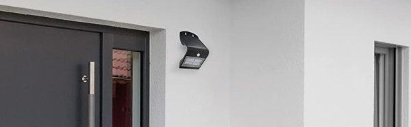 Unitec Led Solar -aurinkokennolla ja liiketunnistimella varustettu seinävalaisin | Masco Oy | masco.fi